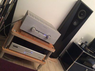 Compléments et upgrades d'une belle installation: bons cables, bon meuble