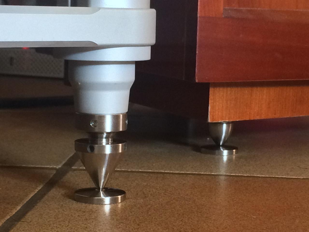 meubles hi fi centaure et pointes d 39 enceintes pps good. Black Bedroom Furniture Sets. Home Design Ideas