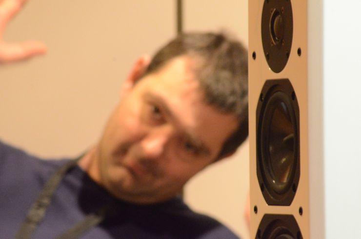 Ronan Stenfort (Elecson KLS et distributeur des électroniques Octave) salon HiFi 2013
